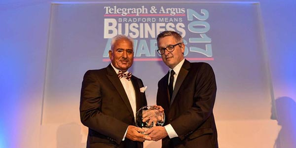 Malik House Chairman Nasser Malik Wins 'Business Personality of the Year' Award